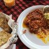 Рыба масала и лепешка с сыром и чесноком.