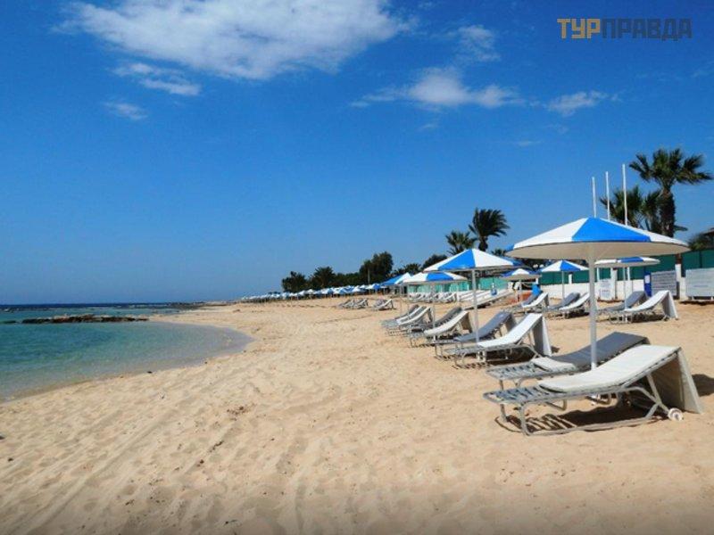 Пляж Лимнара