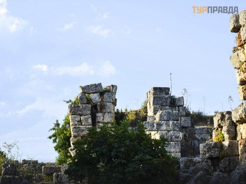 Руины города Перге
